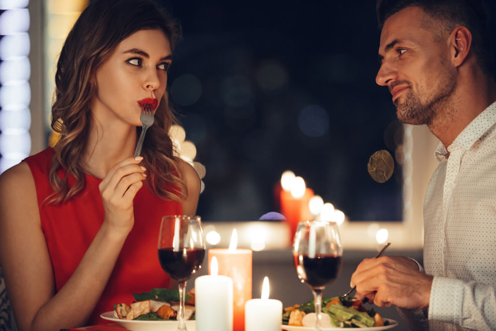 Lovers dine at 2 small rooms restaurant